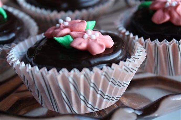 Cupcakes cu ciocolata si visine 19