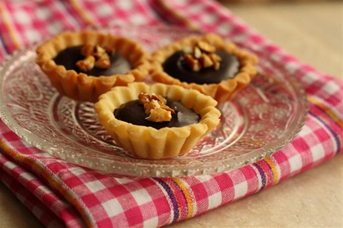 Mini tarte cu martipan si ciocolata 1