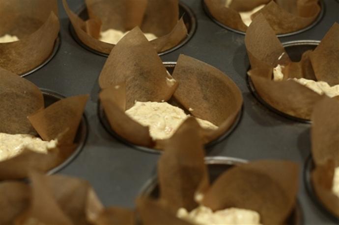 Muffins cu ricotta si fructe de padure 25